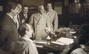 Palermo 2 aprile 1950 - Teatro Politeama - sede della CSAS (Comitato Sportivo Automobilistico Siciliano). Francesco Faraco con Tazio Nuvolari, Raimondo Lanza di Trabia (seduto di spalle), Stefano La Motta, il Giornalista Gargotta (con gli occhiali) ed uno dei fratelli Bornigia, seduto a dx il Cav. Vincenzo Florio.